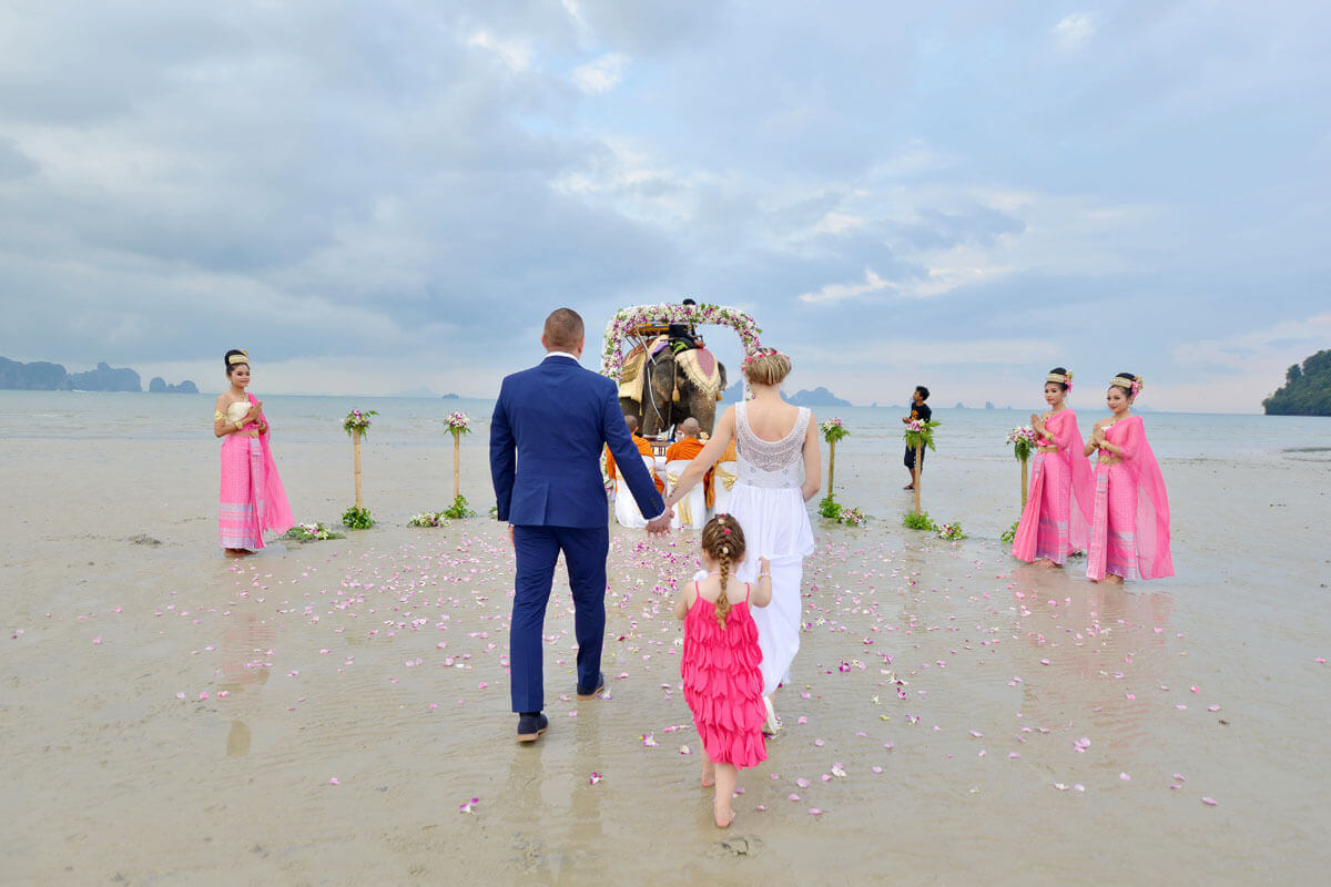 Promotion Elephant Beach Western Ceremony Package