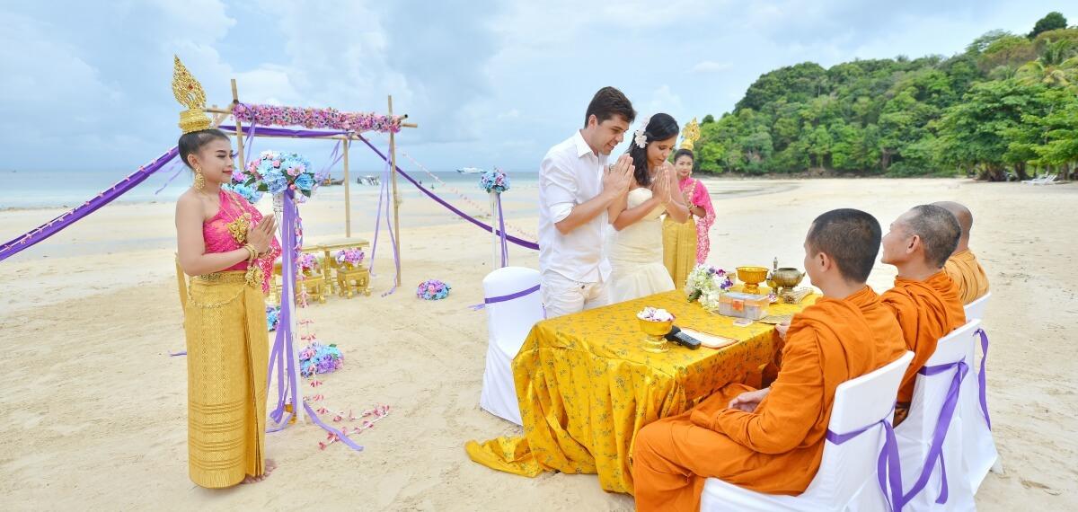 Phi-Phi-Wedding-Thai-Ceremony-Package-Lauren-Andre-09