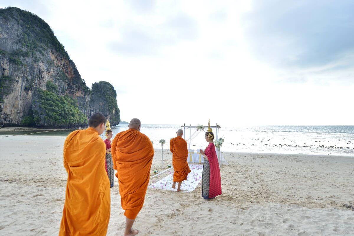 僧侣证婚+西式婚礼