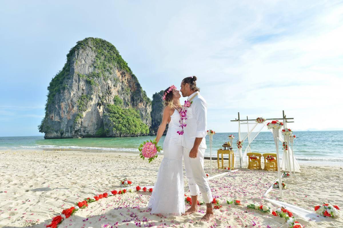 莱雷海滩(Railay Bay) 沙滩婚礼